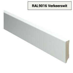 MDF Moderne plint 70x15 voorgelakt RAL 9016