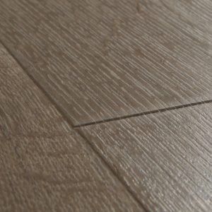 Quickstep-Impressive-Klassieke-eik-bruin-IM-1849-close-up.jpeg